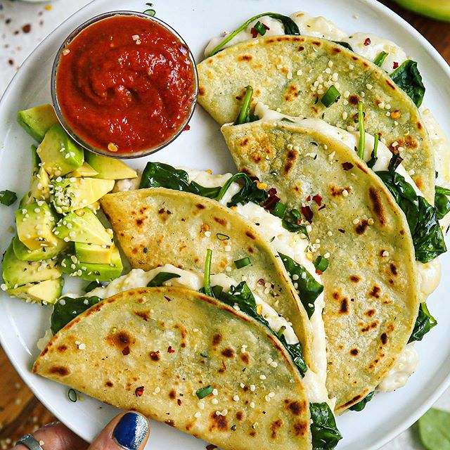 Crispy Cheesy Spinach and Garlic Quesadillas