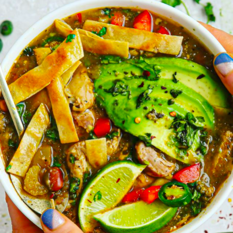 Easy green chicken chili soup! (gluten free/dairy free/delicious)
