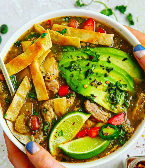 Easy green chicken chili soup! (gluten-free/dairy-free/delicious)