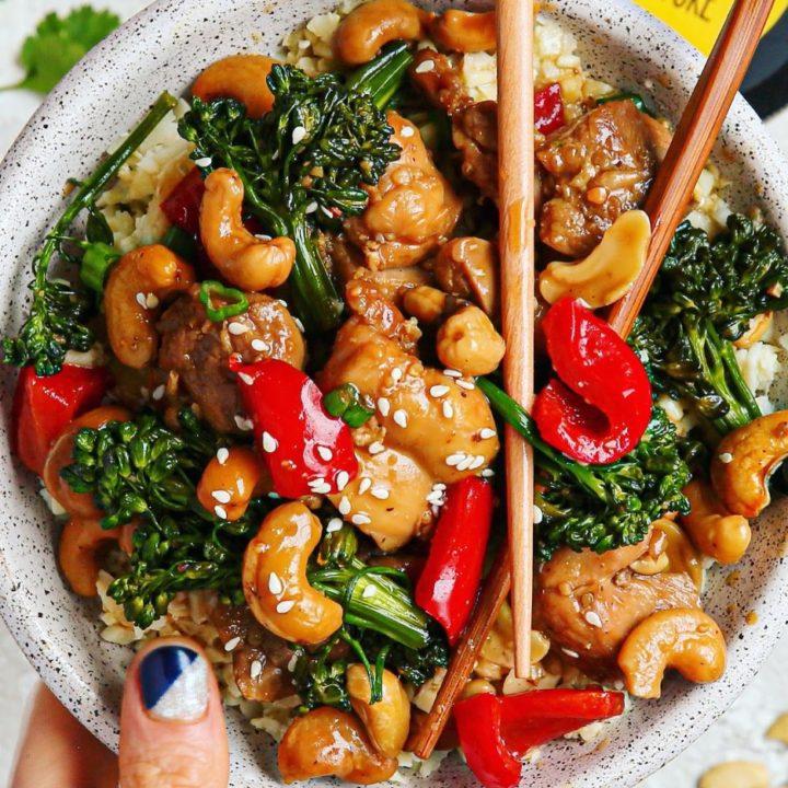 Honey-Cashew Chicken & Broccolini